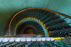 HSfS! (deborahb0cch1) Tags: stairs staircase escalier escaleras escaliers treppe spiral escargot treppenhaus stairwell scale