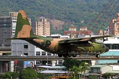 1318 Taiwan - Air Force Lockheed C-130H Hercules (L-382) (阿樺樺) Tags: taiwanairforce lockheed c130h hercules l382 1318