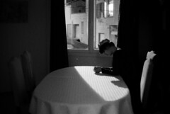 reine à minuit (asketoner) Tags: queen crown night new years eve window table street saintraphaël france chairs diner dining room from light curtain interior view