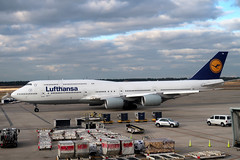 2019-012104 (bubbahop) Tags: 2019 houston texas usa intercontinental airport iah lufthansa boeing747 plane