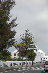 ESPAÑA 2018 - Lanzarote / De YAIZA a TINAJO (Julio Herrera Ibanez) Tags: españa islascanarias lanzarote tinajo plaza afiche iglesia