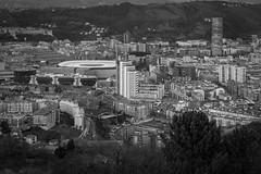 Bilbao desde el mirador (Iñigo Escalante) Tags: bilbao bilbo bizkaia vizcaya euskadi pais vasco euskal herria españa spain europe industrial panoramica pano panoramic river ria nervion ibaizabal santurce santurtzi portugalete sestao erandio zorrotza zorroza vista monte alturas aerial ciudad city san mames iberdrola serantes cielo paisaje ladera agua océano montaña