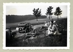 "1930s (Vintage Cars & People) Tags: vintage classic black white ""blackwhite"" sw photo foto photography automobile car cars motor country coubtryside countryroad picnic picknick piquenique fashion hat dress shirt tie lady ladies girl girls fellow man chap friends couples camera shortsides haircut hairstyle suit 1930s 30s thirties"