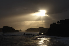 High Tide Sunrise - Asturias (ravnhenkel) Tags: asturias spain coast ocean atlantic sunrise backlit