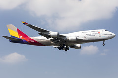 Asiana Airlines | HL7428 (TommyYeung) Tags: 韓亞航空 아시아나항공 asianaairlines oz aar asiana hl7428 staralliance boeing boeingcommercialairplanes boeing747 boeing747400 747 747400 b747 b744 74748e boeing74748e 744 jumbo queenoftheskies 4engines widebodyjetairliner widebodyjet widebody jetairliner jet commercialjet passengerjet fly flymachine jumbojet planespotting plane planephoto planes airplane aeroplane airtransport aircraft airliner air airline airliners airlines airframe aviation landing sky transportphotography transportspotting transport transportation spotter spotting spot canonphotography canoneos5d4 canon generalelectric geaviation gecf680 cf680 cf680c2b1f taipei taiwan taoyuan taoyuanairport taoyuaninternationalairport tpe rctp