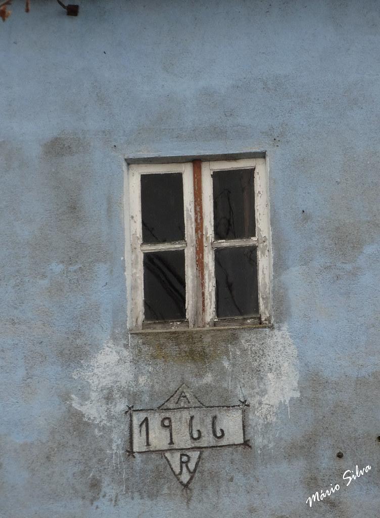 Águas Frias (Chaves) - ... janela  de 1966 ...