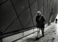 Snow Shower (Bury Gardener) Tags: suffolk streetphotography street streetcandids snaps strangers candid candids people peoplewatching folks nikond7200 nikon england eastanglia burystedmunds 2018 arc thearc bw blackandwhite monochrome mono