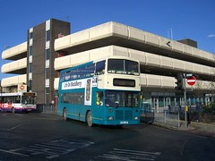 M700HPF Huddersfield 2009 (MCW1987) Tags: arriva yorkshire west 517 east lancs bodied volvo olympian m700hpf