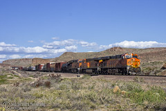 On the downhill (Josh 223) Tags: kingmanarizona kingmancanyon transcon bnsf burlingtonnorthernsantafe freighttrain diesellocomotive kingman arizona az mojavecounty mojavedesert train railroad railway railroadphotography railfanning trainspotting