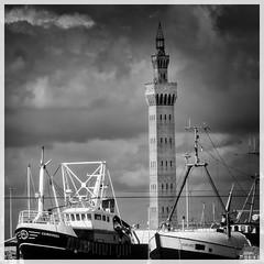 trawlers & Grimsby Dock tower (Mallybee) Tags: fuji fujifilm xt3 apsc xtrans xmount mallybee fujinon 18135mm ois zoom f3556 great grimsby dock tower trawler ship boat bw blackandwhite outside building sky carousel kurfurst