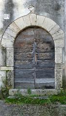 PORTA ENTRADA A CAN MORGAT (Joan Biarnés) Tags: canmorgat porta puerta pladelestany catalunya girona 286 panasonicfz1000