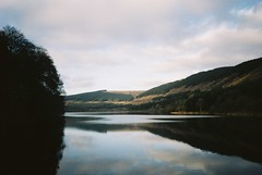 Pontsticill Reservoir (knautia) Tags: pontsticillreservoir taffechan rivertaf breconbeacons wales uk january 2019 film ishootfilm olympus xa2 kodacolor 200iso olympusxa2 reflection footpath reservoir