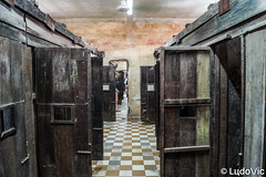 Tuol Sleng 06 (Lцdо\/іс) Tags: tuolsleng phnompenh jail khmer rouge red prison museum musée historic history genocide cambodge cambodia kambodscha asia asian asie revolution polpot lцdоіс visit explore