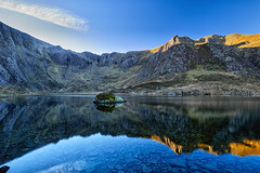 Cwm Idwal reflections (another_scotsman) Tags: cwmidwal snowdonia reflections lake water mountain wales landscape