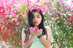 IMG_2668 (Sharmila Padilla) Tags: flowers lady canon portrait ladies balloon outside play pinkflowers pink photography street modes happy joy smile pretty sports white road makeup