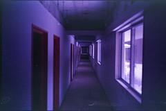 (✞bens▲n) Tags: leica m4 kodak ektapress 100 rokkor 40mm f2 film analogue hallway haikyo abandoned building