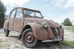 1958 Oldtimer Citroën 2CV (jr-teams.com - Photo) Tags: travel traveling travelling photos journey trip road reise reisefotos world europe photography nikon d700 nikkor afs 424120vrii 24120 lightroom gps digps dawntech france frankreich charentemaritime îlederé ile de re car oldtimer ente 2cv citroen 1958 deuxchevaux eend geit tinnen slak twee paardje grenouille sage citroën la deuche deudeuche deux patttes duck automobile oldcar old classic