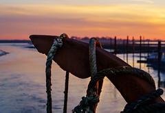 Sonnenuntergang im Hafen (ciddi89) Tags: petkum emden hafen ostfriesland niedersachsen deutschland germany port sonya7iii sel2470gm anker anchor sunset sonnenuntergang