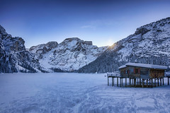 Il lago nascosto (Gio_guarda_le_stelle) Tags: dolomiti dolomites dolomiten lake braies frozen snow sunset evening mountainscape winter freddo italy i