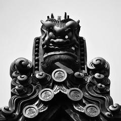 ✪有馬温泉のお寺さんで見かけた本堂の鬼瓦 (haguronogoinkyo) Tags: nikon d610 japan 兵庫 有馬 有馬温泉 寺院 鬼瓦 念仏寺