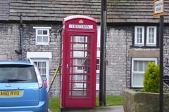 History at Tideswell (Bods) Tags: walk phonebox peakdistrict derbyshiredales tideswell derbyshire whitetodarkday1 bakewelltolittonwalk peakdistrictnationalpark whitetodark