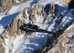 IMG_4237 (Tipps38) Tags: hélicoptère aviation photographie montagne alpes avion courchevel neige helicopter 2019 planespotting