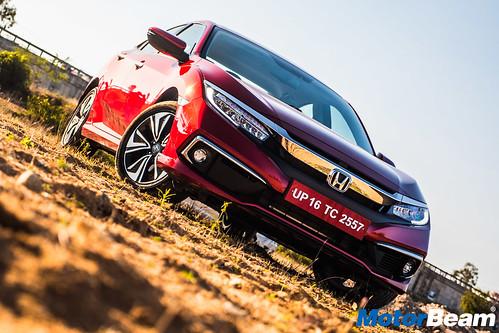 2019-Honda-Civic-28