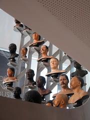 Musée de l'Homme, Paris (Sokleine) Tags: muséedelhomme museum musée mankind sculptures education art culture trocadéro paris 75016 france frenchheritage interior indoor aperture heads têtes