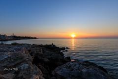 Primi tramonti caldi (Antonio Ciriello PhotoEos) Tags: sanvito taranto puglia italia italy apulia mare sea seascapes landscapes sole sun sunset tramonto nature natura canon canoneos5dmarkiv 5dmarkiv 5d eos5dmarkiv canon5dmarkiv clouds nuvole