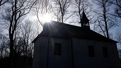 Transylvania (frankdorgathen) Tags: erkrath xf10 fujifilm winter sonne sun gegenlicht backlight baum tree minimalismus minimalistic minimalism silhouette gebäude building chapel antoniuskapelle