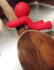 hold me tight (hussi48) Tags: kochlöffelhalter woodenspoon smileonsaturday kitchtoolia