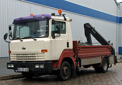ECO-T (Schwanzus_Longus) Tags: bremen german germany japan japanese modern truck lorry flatbed platform coe cab over engine nissan eco t100 atleon vehicle