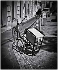 Lomography (Black and White Fine Art) Tags: lomography lomografia lomo holga holga120n plasticcamera camaraplastica toycamera camaradejuguete kodakbw400cnexpired2007 filmexpired2007 chromogenicfilm developesinbwdeveloper kodakd76 bicicleta bicycle niksilverefexpro2 lightroom3 sanjuan oldsanjuan viejosanjuan puertorico bn bw