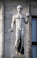 Prager Fassadendetails - 25 (fotomänni) Tags: prag praha prague kunst art reisefotografie statue skulpturen skulptur sculpture manfredweis