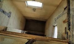 Drop zone, Don Jail, Riverdale, Toronto. (edk7) Tags: olympuspenliteepl5 slrmagic8mm14rectilinearultrawideanglemanualfocuslens edk7 2017 canada ontario toronto riverdale gerrardstreeteast formertorontojail akadonjail williamthomas1864 architecture building oldstructure concrete glass
