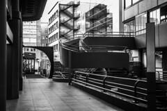 Architectural geometry. (Lea Ruiz Donoso) Tags: escalera arquitectura líneas 2019 sony lines blanco y negro black white bw monochrom calleserrano serrano street madrid spain españa treppe escalier steps stairs staircase