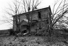 lincoln county (Nickademus42 (Thank you for 1 million views)) Tags: ilford delta 100 kamiya 645 kentucky abandoned house black white film 45mm