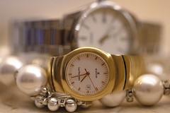 MACRO MONDAYS. OROLOGI. (FRANCO600D) Tags: macromondays hmm timepieces macro orologi time orologidapolso clock lancette perle collana canon eos6dmarkii 6dmarkii canoneos6dmarkii canon6dmarkii franco600d clocks edox