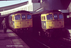 33021,33053 in Bristol Temple meads on the 15-02-1988 (Robert Lewis(railhereford)) Tags: 33021 33053 d6539 d6571