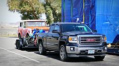 P1070814 (72grande) Tags: california ca i40 interstate desertoasis restarea international internationalharvester scout sr2 gmc sierra needlesfreeway