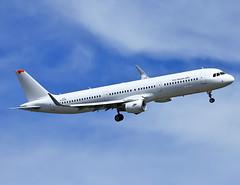 D-AZAK Airbus A321 Sharklets (@Eurospot) Tags: vna651 dazak airbus a321 sharklets 5295 toulouse blagnac