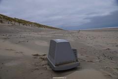 DSC02740 (ZANDVOORTfoto.nl) Tags: zandvoort edwin keur fotografie aan zee strand nederland netherlands kust coast shore beach beachlife aangespoeld tv flatscreen beeldscherm