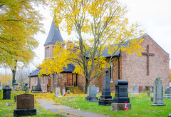 St. John's Anglican Church (Neil Cornwall) Tags: 2018 anglican churches october sandwich stjohns windsor cemetery fall gravyard leaves