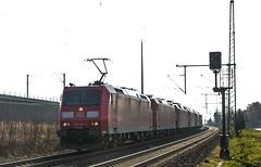 02_2019_02_13_Köln_Porz_Wahn_6185__053_6185_015_6145_036_6185_169_6185_170_6185_318_DB (ruhrpott.sprinter) Tags: ruhrpott sprinter deutschland germany allmangne nrw ruhrgebiet gelsenkirchen lokomotive locomotives eisenbahn railroad rail zug train reisezug passenger güter cargo freight fret köln porz wahn db eloc sbbc wirsch wlc 1216 3294 5407 6145 6185 6193 bonn ell ice lokzug himmel blau azur sonne gegenlicht outdoor logo natur