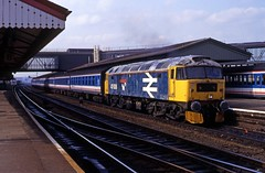 47636 looking very shabby is seen at Reading Station on a London Paddington bound service when seen in early 1992. I Cuthbertson collection (I C railway photo's) Tags: class47 47636 largelogo duff reading nse