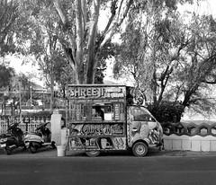 1930 (The Dent.) Tags: mamiya7ii india trix400asa hc110 dilution b rajasthan udaipur