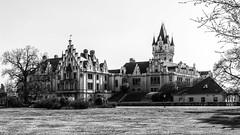 Schloss Grafenegg (mirjanasesar) Tags: castle burg schloss historic monochrome