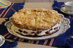 Hannchen-Jensen-Torte (julia_HalleFotoFan) Tags: torte kuchen hannchenjensentorte kirschen