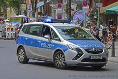 Polizei, Berlin (Martijn Groen) Tags: berlin germany europe may 2018 police polizei lawenforcement emergency opel opelzafira zafira