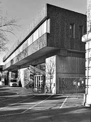 ZSL Meeting Rooms / NW1 (Images George Rex) Tags: 8379cf4c9a7841d4b86530be4e12025c london westminster uk zsl zoologicalsocietyoflondon zslmeetingroomsnuffieldbuilding brutalism brutalist llewelyndaviesweeksandmusgravemichaelhuckstepp architecture outercircle regentspark blackandwhite bw monochrome